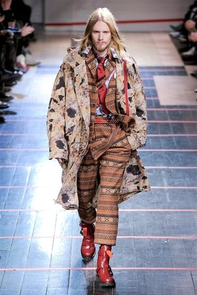 photo-1-photos-du-defile-yohji-yamamoto-homme-fashion-week-2014-2015_4681024