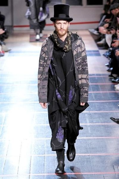 photo-20-photos-du-defile-yohji-yamamoto-homme-fashion-week-2014-2015_4681062