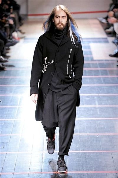 photo-40-photos-du-defile-yohji-yamamoto-homme-fashion-week-2014-2015_4681102